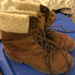 Mossimo boots 7.5